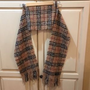 Burberry London merino wool nova check scarf